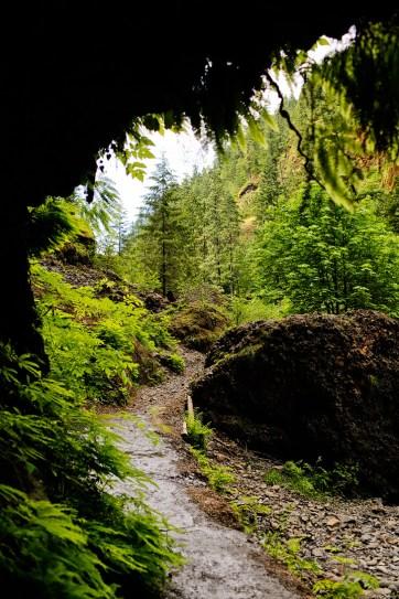Wahclella Falls Cave, Columbia River Gorge, Oregon // localadventurer.com