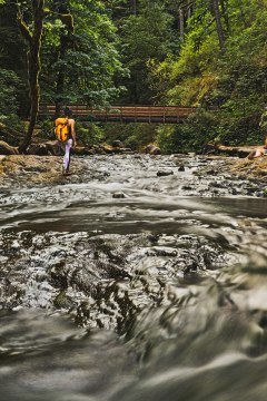 How to Get to Triple Falls, Oregon - Hiking in the Columbia River Gorge // localadventurer.com