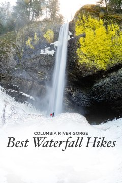 Hiking to Waterfalls in Oregon - Best Hikes in the Columbia River Gorge // localadventurer.com