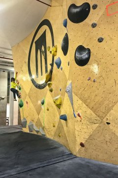 Brooklyn Boulders + 25 Best Indoor Attractions NYC // localadventurer.com