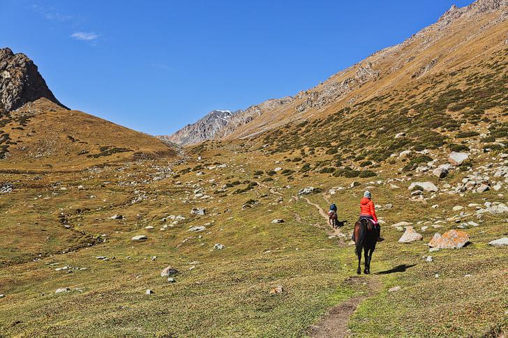 Horse Trek to Ala Kul Lake Kyrgyzstan // localadventurer.com