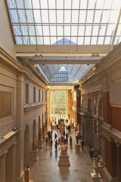 The Met New York + 25 Best Indoor Activities NYC // localadventurer.com