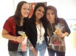 Raissa Soares e Suzana do Nascimento (premiadas filial Curitiba) e Alexandra Rodrigues (coordenadora filial Curitiba - ao centro)