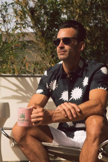 Shirt Provided By: Diesel Saks Fifth Avenue Beverly Hills www.shop.diesel.com Shorts Provided By: DANWARD www.danwardwear.com Shoes Provided By: Sanders Available at Mr. Turk Palm Springs www.sanders-uk.com Sunglasses Provided By: Barton Perreira Saks Fifth Avenue Beverly Hills www.bartonperreira.com