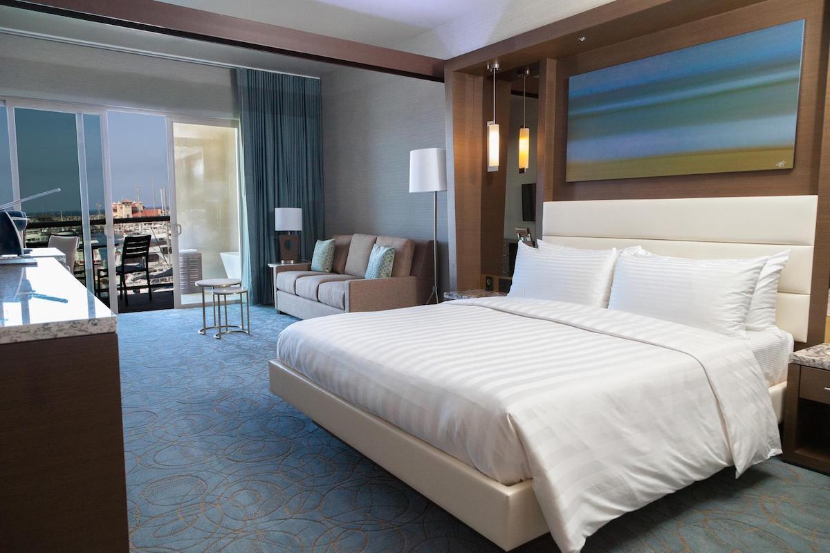Shade Hotel 12