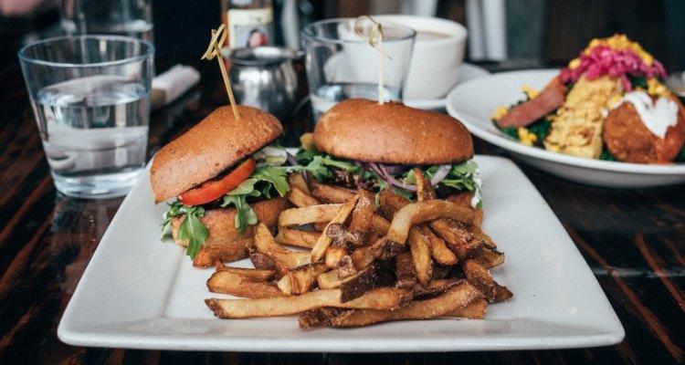 10 Vegan Restaurants In La That Will Convert Even The