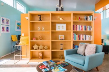 Bookcase Airbnb