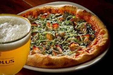 District Oak_guanciale pizza and beer