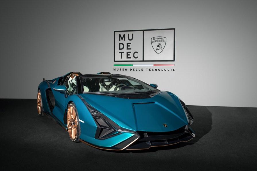 Indigo_Lamborghini_Sian_1