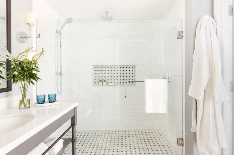 Mission Pacific_The-Seabird-Shower