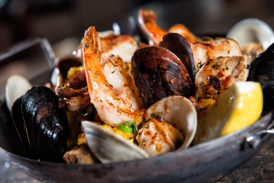 Omni Scottsdale_phxrst-omni-scottsdale-resort-montelucia-paella-valencia