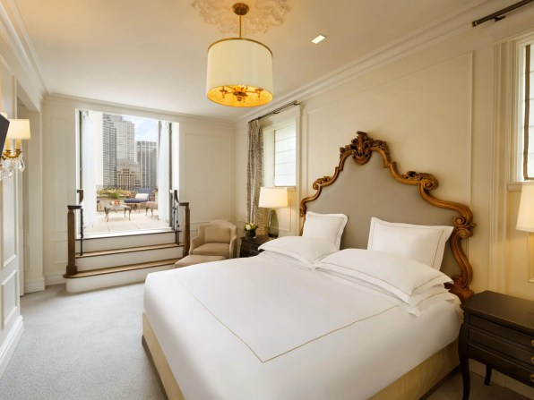 Photography Provided By: The Plaza – a Fairmont Managed Hotel