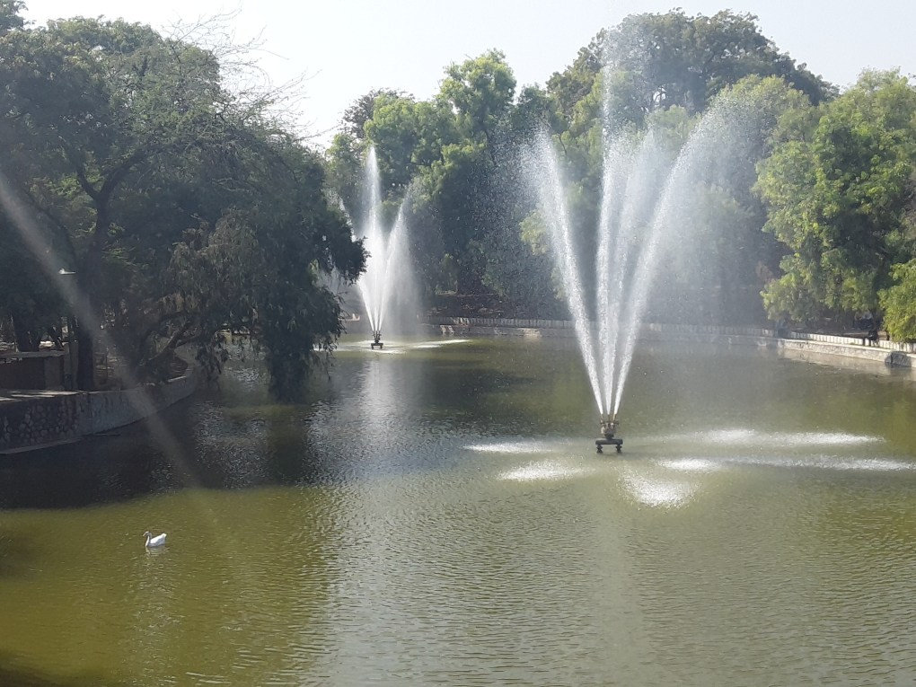 fountain in lodhi garden new delhi