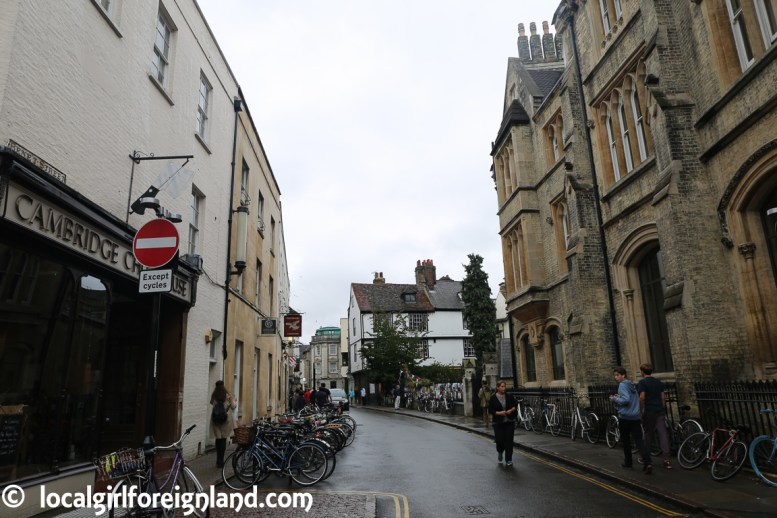 cambridge-in-the-rain-2657