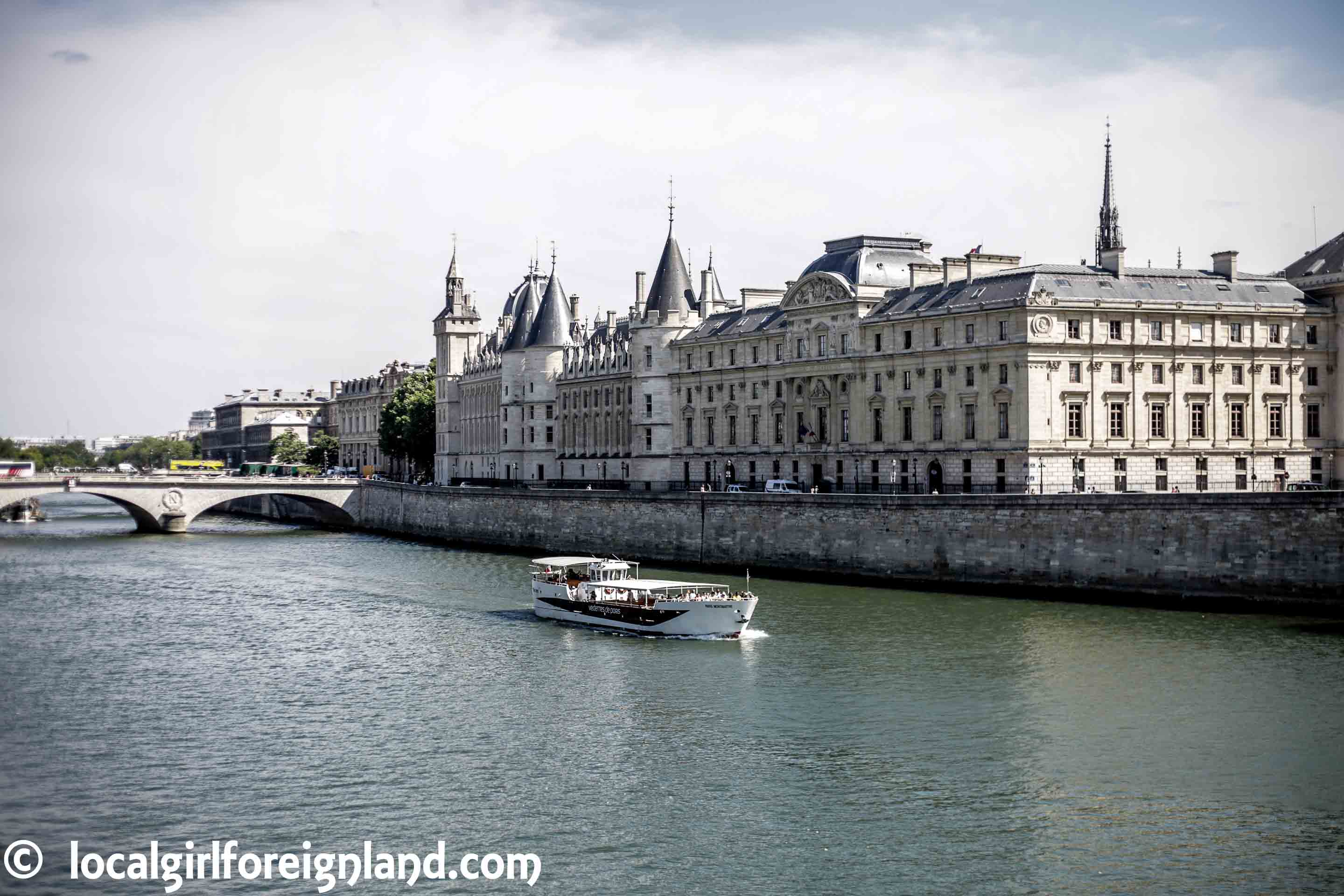Explore the heart of Paris, an itinerary