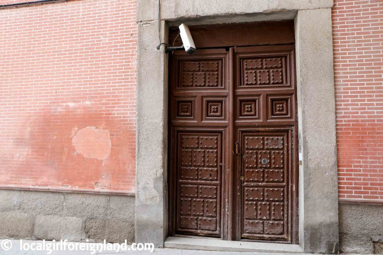 3 Calle del Codo, Madrid, secret cookies baked by cloistered nun