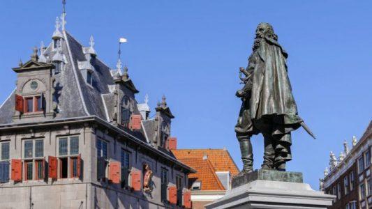 Roode Steen Hoorn - Stadswandeling Hoorn   Local Guide Hoorn