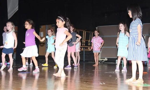 PHOTO: Dance Party U.S.A.
