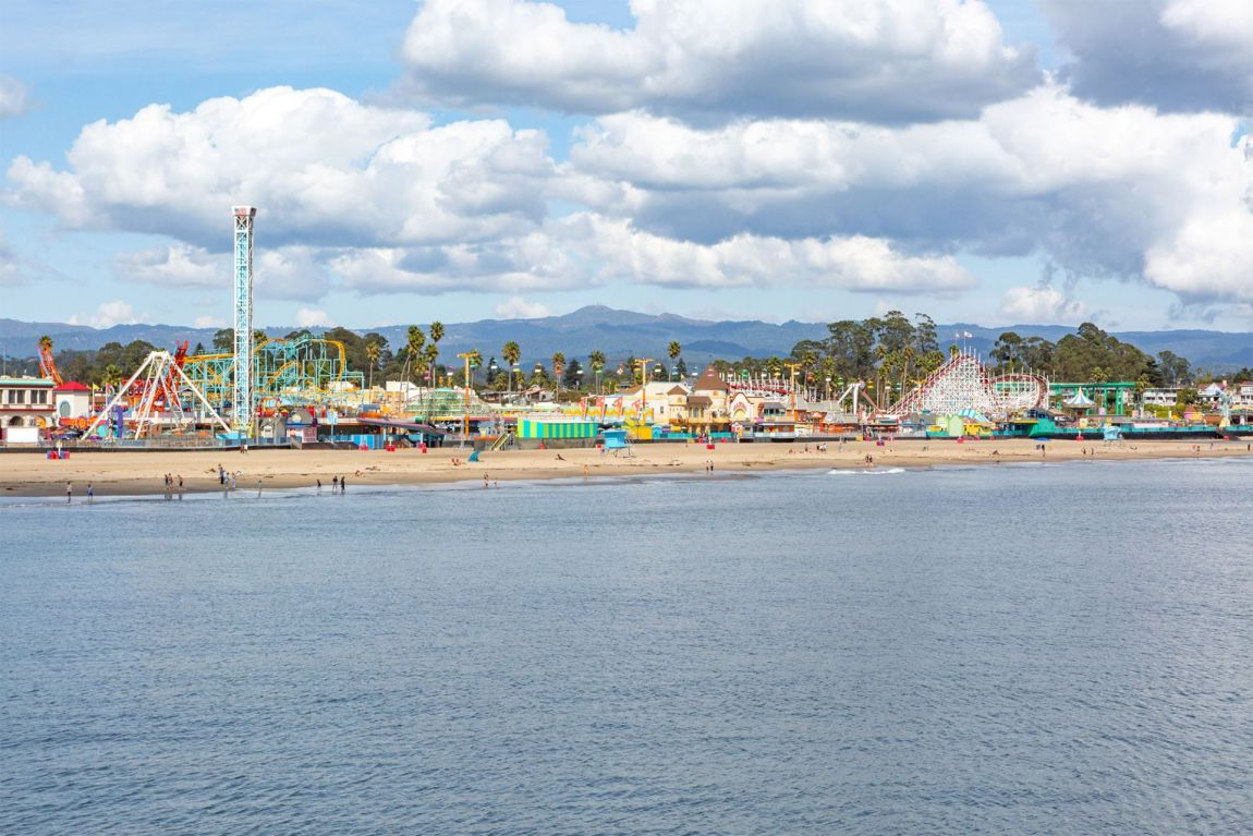 Colorful amusement park on the California Coast | Local Love and Wanderlust