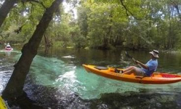 Kayaking on the Santa Fe River. Photo courtesy of rum138.com