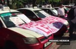 KL cabbies gather to protest Uber and GrabCar - 0