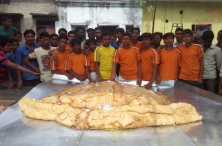The team responsible for preparing the 'record breaking' samosa