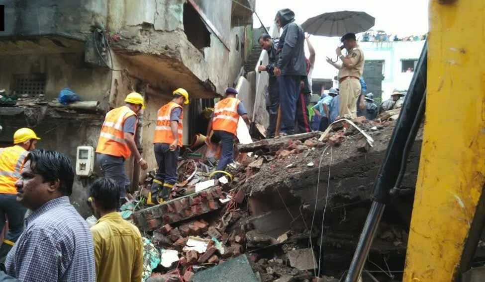 4 family members injured in gas explosion at their home in Thane