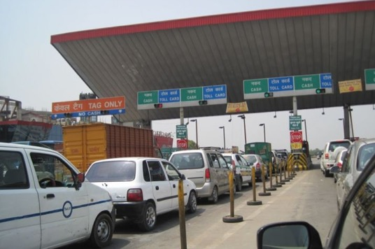 All national highway toll plazas to have 'cashless' facility from December