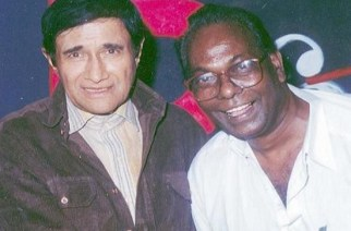 Actor Dev Anand with Jagdish Aurangabadkar. Picture Courtesy: Deccan Chronicle
