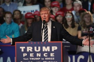 Donald Trump addressing supporters during a campaign rally. Picture Courtesy: Scott Olson