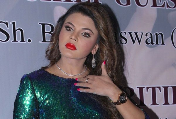 Police to arrest Rakhi Sawant over 'objectionable' remarks, failing to appear in court