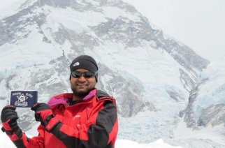 Rafiq Shiakh becomes the first cop in Maharashtra to conquer Mount Everest