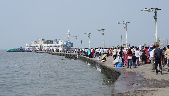 Remove encroachments near Haji Ali in 2 weeks or face serious consequences: SC tells State Govt 1