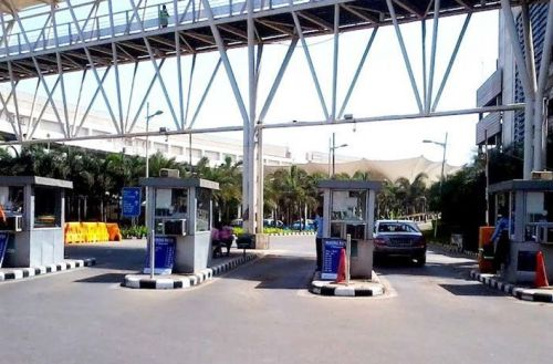 Motorists will no longer have to pay Rs 130 toll while entering or halting at Terminal 2. Picture Courtesy: Mumbai Live