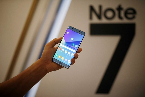 Samsung stops production of Note 7 after units with replaced batteries catch fire