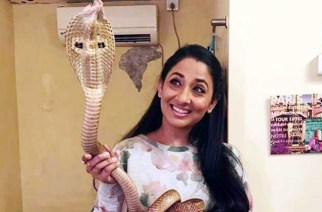 Shruti Ulfat posing with the cobra
