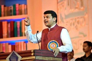 Fadnavis clarified that the news about Maharashtra government spending Rs 300 crores on social media was totally false