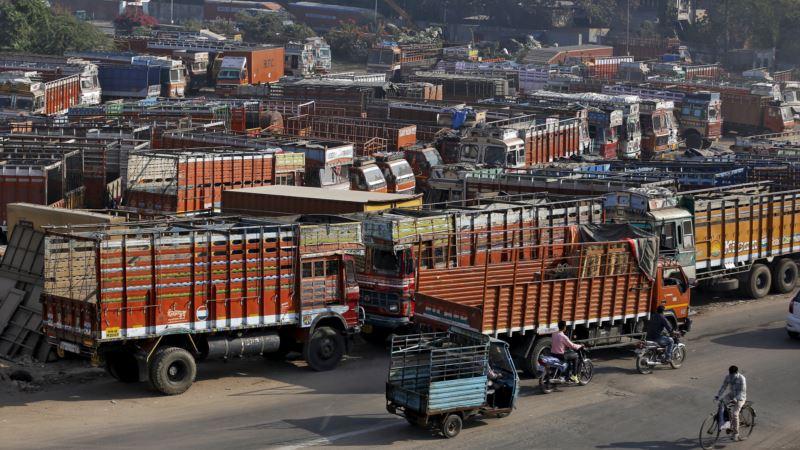 Truckers begin 2-day nationwide strike to press for demands, threaten bigger 'chakka jam' post Diwali