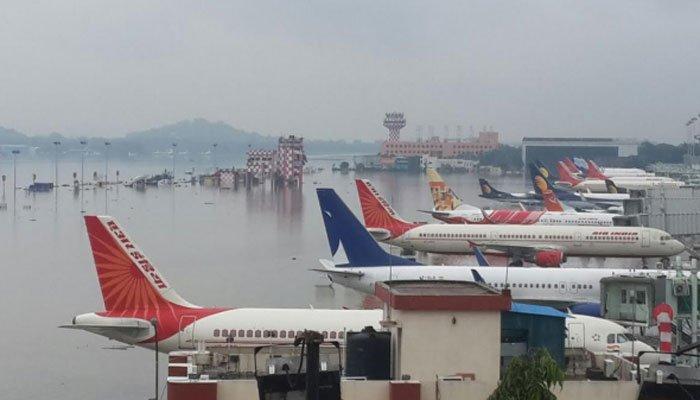 Video: Cyclone Vardah hits Chennai, Tamil Nadu & Andhra Pradesh on high-alert 3