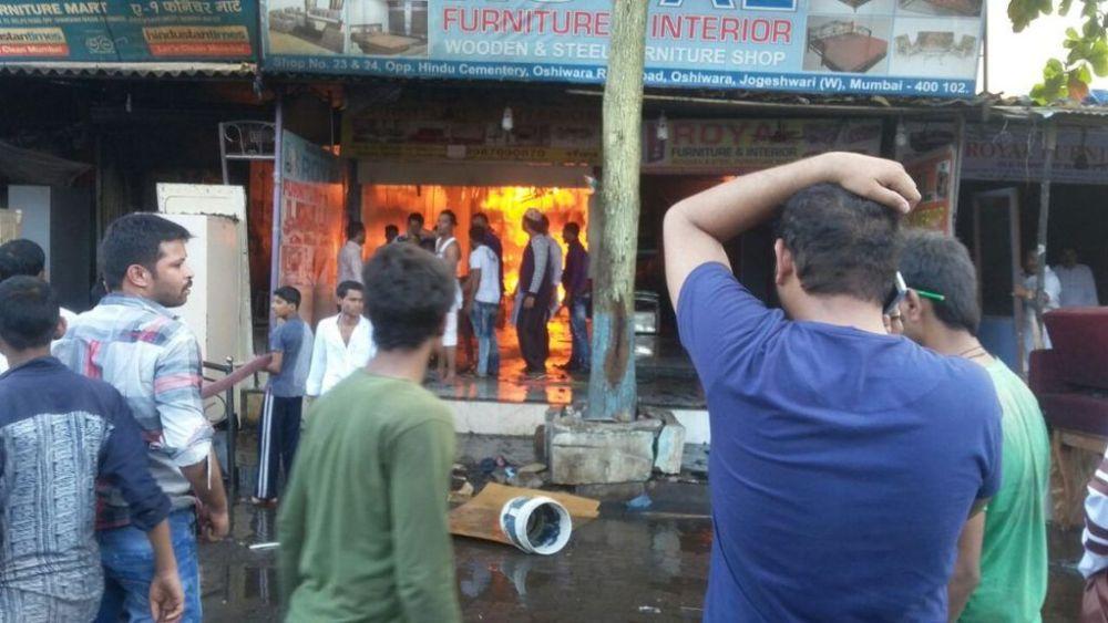 Video: Major fire at furniture market in Oshiwara, multiple cylinder blasts heard 1