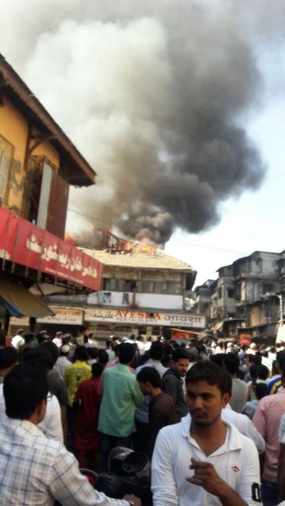 Video: Massive fire breaks out in Arab Galli in Kamathipura near Grant Road 2