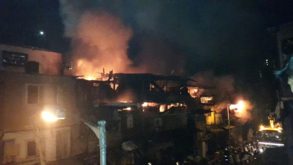 Video: Massive fire breaks out in chawl at Madanpura in Byculla, 14 fire tenders on spot 1