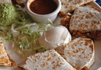uncle julios quesadillas dining divas, plano profile