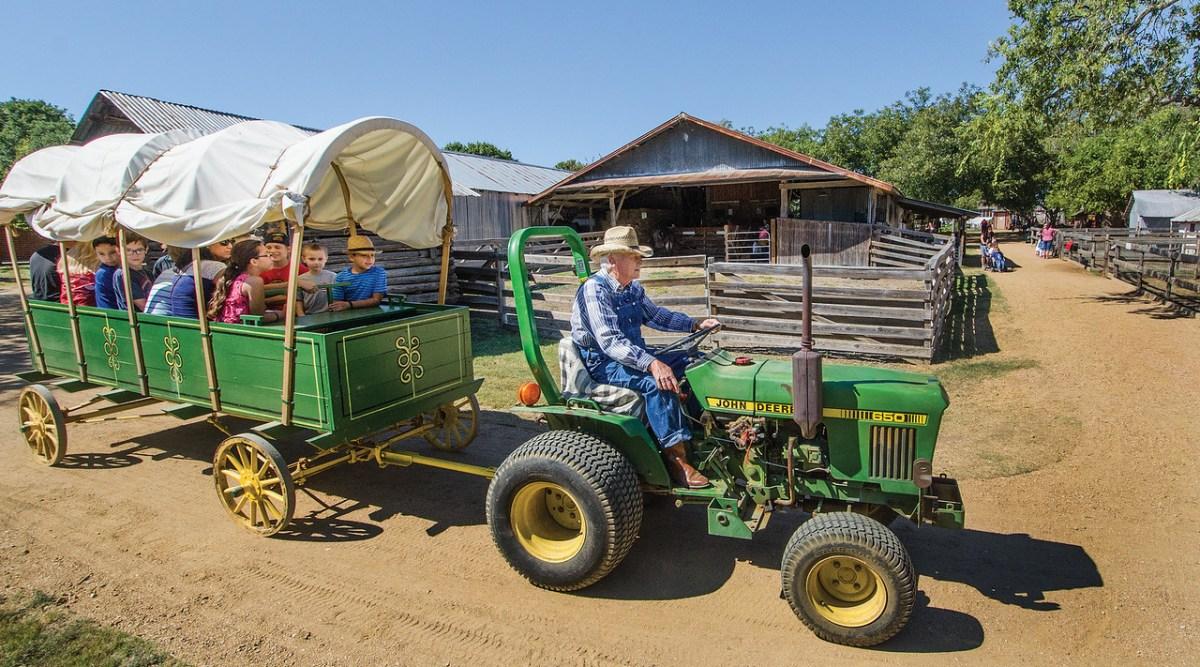 tractor wagon heritage farmstead museum Plano