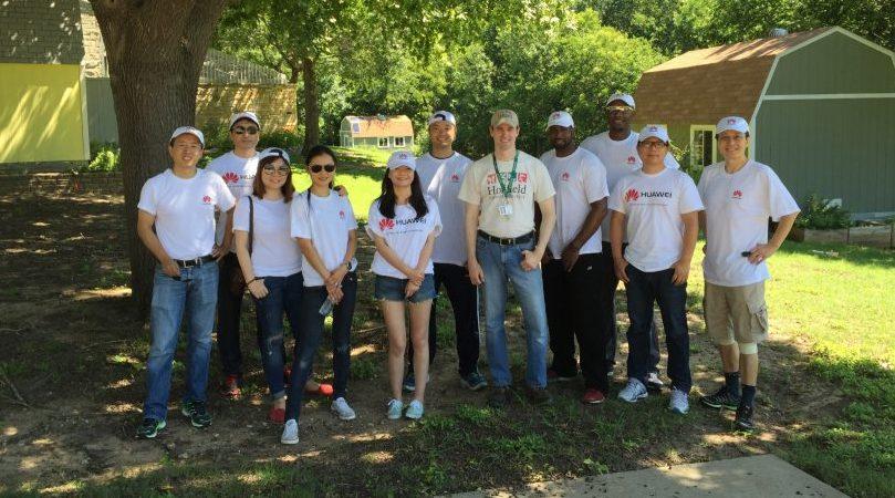 Huawei volunteers serve PISD