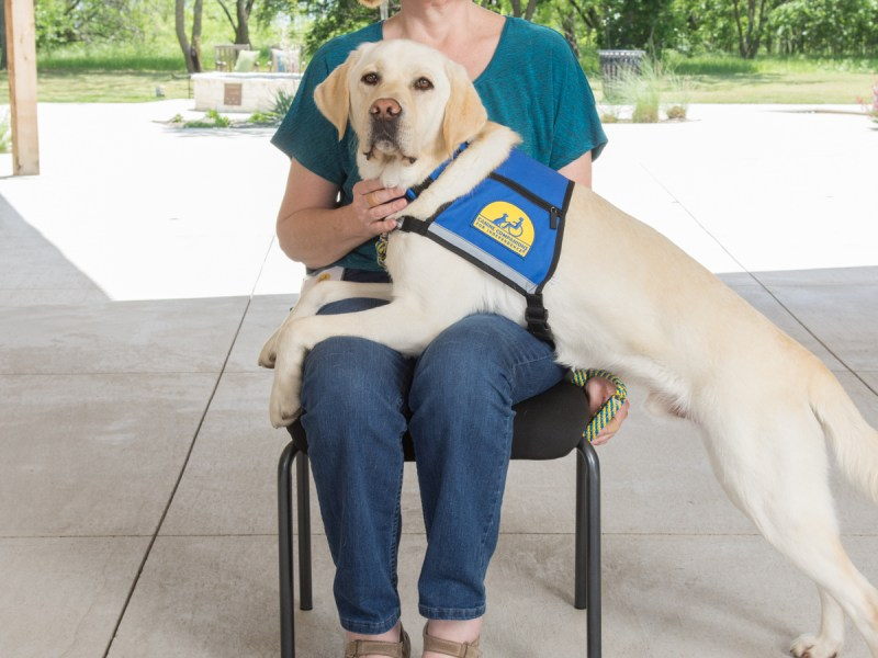 linda with service dog albie