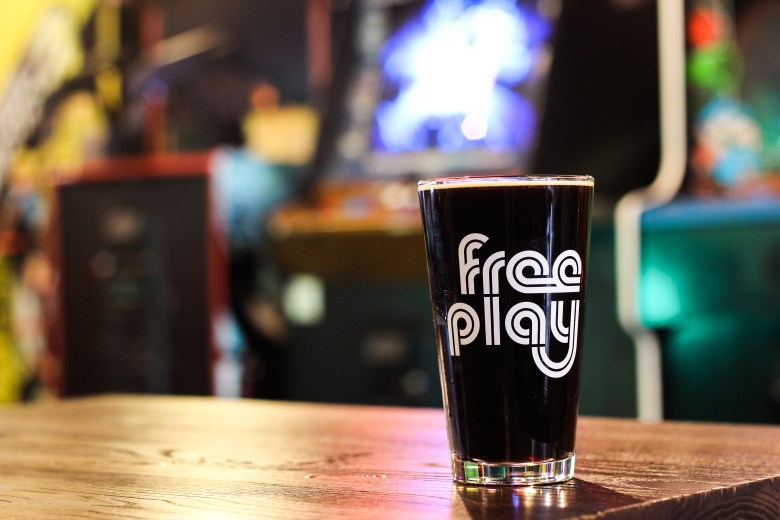 Free Play Arcade Richardson Denton retro videogames sandwiches burger beer local beer near me best venues