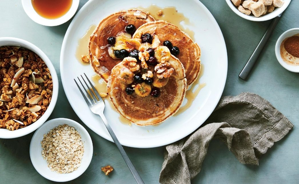 breakfast-platter-pancakes-granola