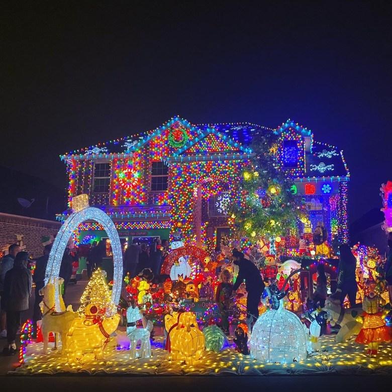 neighborhood holiday house