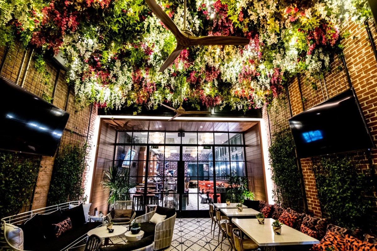 Ebb and Flow interior plano restaurant